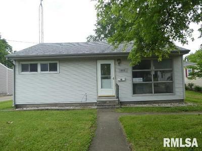 920 HAWLEY ST, Taylorville, IL 62568 - Photo 1