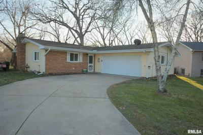 212 LAUREL LN, East Peoria, IL 61611 - Photo 1