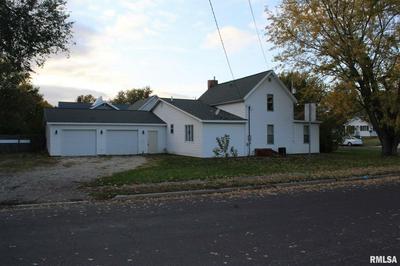 422 E VERNON ST, FARMINGTON, IL 61531 - Photo 2