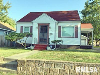 2211 W ANTOINETTE ST, Peoria, IL 61605 - Photo 1