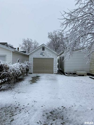 135 N 6TH AVE, Canton, IL 61520 - Photo 2