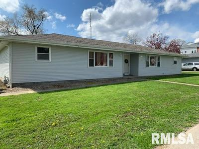 211 N LINCOLN ST, Athens, IL 62613 - Photo 2
