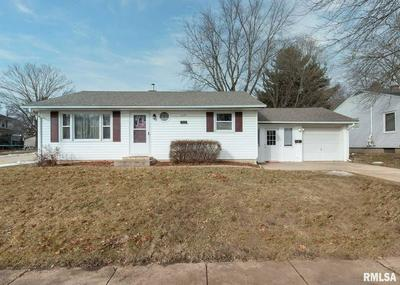 1126 6TH ST, De Witt, IA 52742 - Photo 1