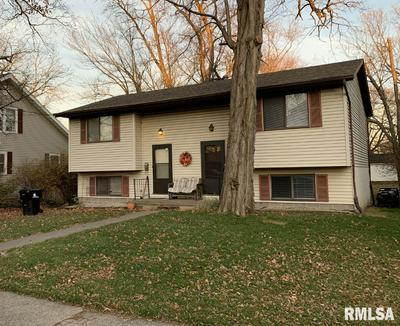 111 N HIGH ST, Washington, IL 61571 - Photo 1