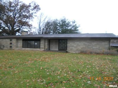 1102 E GRANT ST, Macomb, IL 61455 - Photo 1
