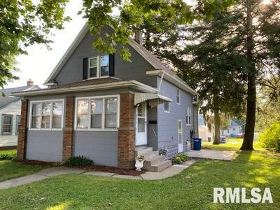 422 40TH ST, Moline, IL 61265 - Photo 1