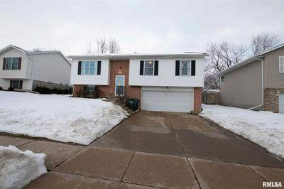 6715 CRESTHILL DR, Davenport, IA 52806 - Photo 2