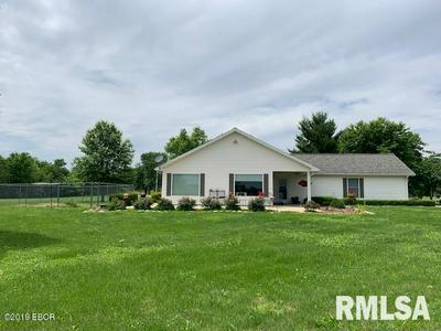 358 BATHON DR, Pinckneyville, IL 62274 - Photo 1
