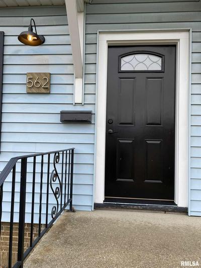 562 N MAIN ST, Canton, IL 61520 - Photo 2