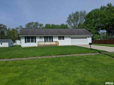1004 N MAIN AVE, Wyoming, IL 61491 - Photo 2