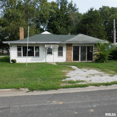 401 W HILL ST, Eureka, IL 61530 - Photo 1