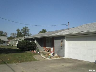 1110 N 8TH ST, Benton, IL 62812 - Photo 2