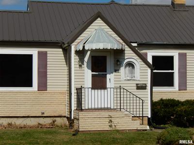 105 E SOUTH ST, Colchester, IL 62326 - Photo 2