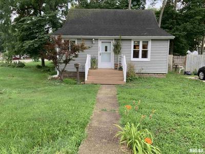 306 W SYCAMORE ST, Chillicothe, IL 61523 - Photo 1