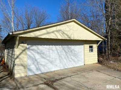 4037 W BRIGHTON AVE, Peoria, IL 61615 - Photo 2