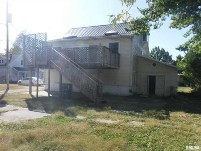 218 E BOONE ST, Salem, IL 62881 - Photo 2