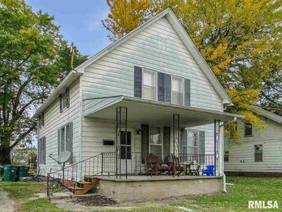 422 N PEARL ST, Macomb, IL 61455 - Photo 2