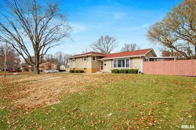 2523 W CASTLE CT, Peoria, IL 61614 - Photo 2