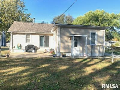 1120 W FRANKLIN ST, Taylorville, IL 62568 - Photo 2