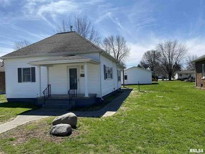 207 W JEFFERSON ST, Auburn, IL 62615 - Photo 2