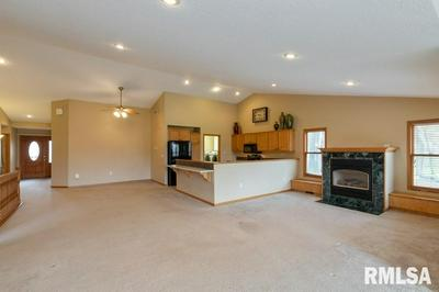 1324A SPRINGBROOK LN # A, De Witt, IA 52742 - Photo 2