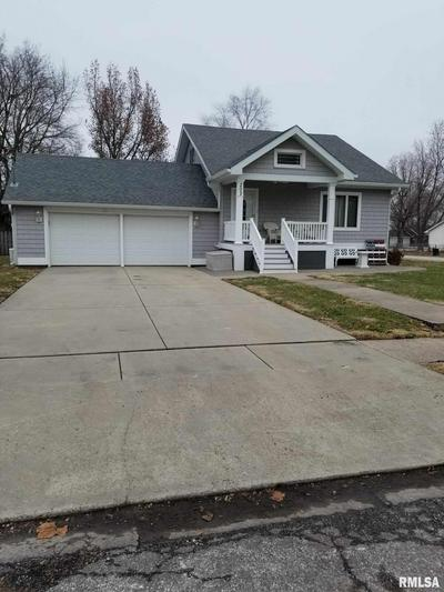 202 W GIBSON ST, New Berlin, IL 62670 - Photo 2