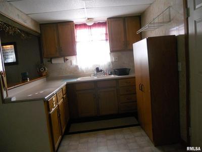 406 N CAMPBELL ST, Macomb, IL 61455 - Photo 2
