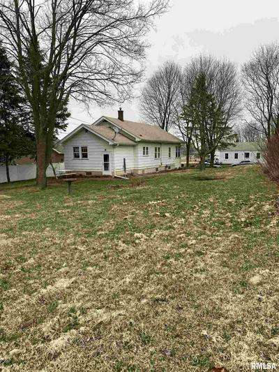 136 16TH ST, SILVIS, IL 61282 - Photo 2