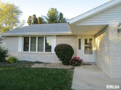 1473 E MYRTLE ST, Canton, IL 61520 - Photo 2