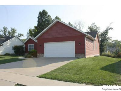 1106 DINA DR, RIVERTON, IL 62561 - Photo 2