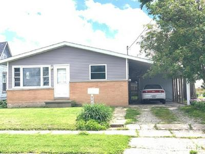 804 W VANDEVEER ST, Taylorville, IL 62568 - Photo 1