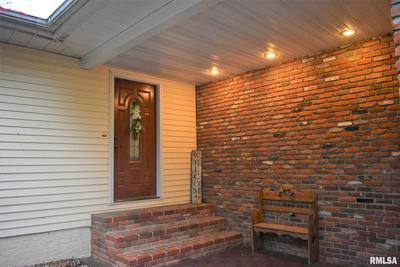 116 REGENT ESTATE RD, Jacksonville, IL 62650 - Photo 2
