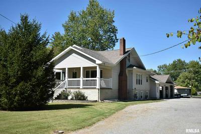 305 W REED ST, Benton, IL 62812 - Photo 1