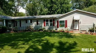 1627 W PARK AVE, Taylorville, IL 62568 - Photo 2