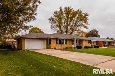 25 WINEGAR DR, Canton, IL 61520 - Photo 2