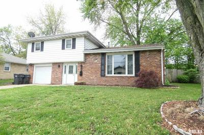 105 ARROW ST, Pekin, IL 61554 - Photo 2