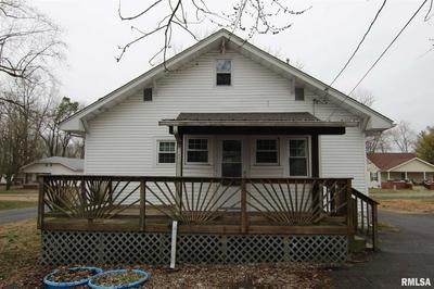 105 S PECAN ST, Royalton, IL 62983 - Photo 2
