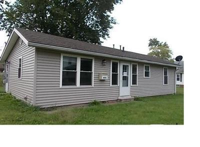 1076 W MAIN ST, Bushnell, IL 61422 - Photo 1