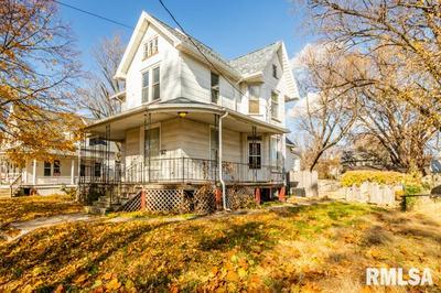 217 W OLIVE ST, Canton, IL 61520 - Photo 2