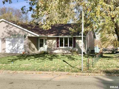 1455 E MYRTLE ST, Canton, IL 61520 - Photo 1