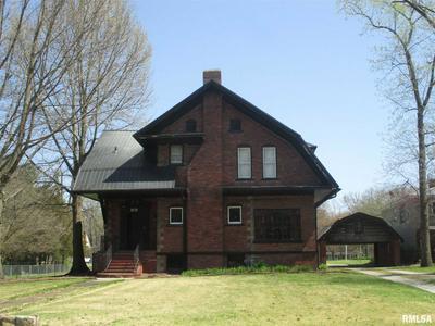 806 S MAIN ST, Benton, IL 62812 - Photo 1