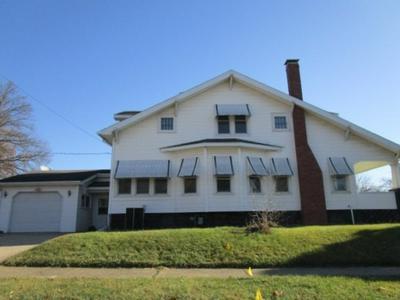 159 W LOCUST ST, Canton, IL 61520 - Photo 2