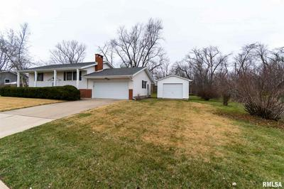 206 GILLMAN AVE, Washington, IL 61571 - Photo 2