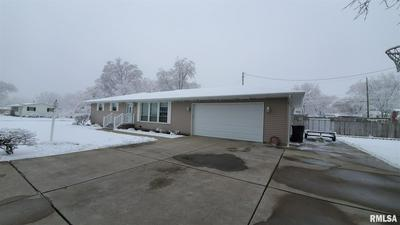 317 CRESTLAWN DR, Washington, IL 61571 - Photo 2