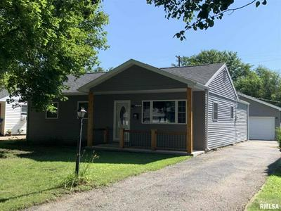 1610 LAKEVIEW TER, Jacksonville, IL 62650 - Photo 2