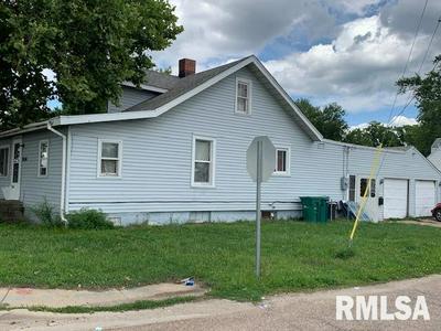 3056 S 11TH ST, Springfield, IL 62703 - Photo 2