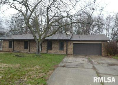 987 E LINCOLN ST, RIVERTON, IL 62561 - Photo 1