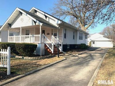 1105 W VINE ST, Taylorville, IL 62568 - Photo 1