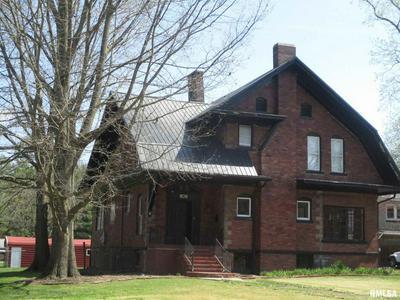 806 S MAIN ST, Benton, IL 62812 - Photo 2