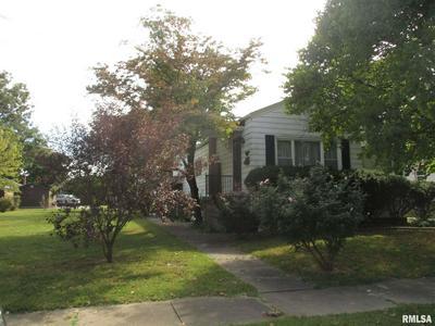 306 W 6TH ST, Benton, IL 62812 - Photo 2